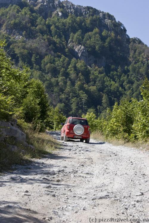 Дорога в парк Тьети
