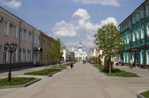 В центре города, улица Воскресенская