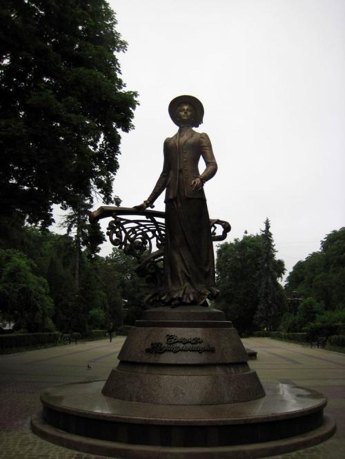 Новый памятник в городе - Соломии Крушельницкой