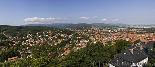 Вид на Вернигероде со смотровой площадки замка