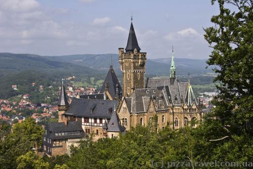 Вид на замок со смотровой площадки Agnesberg