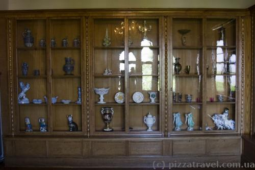 Здесь находились книги, которые были вывезены в СССР в качестве трофеев.