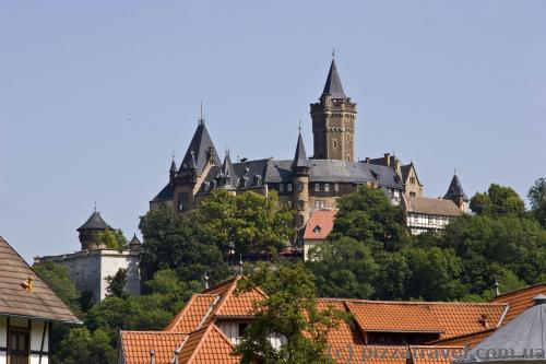 Вид на замок с улицы Am Grossen Bleek