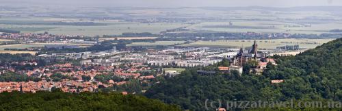 Вид на Вернигероде и замок с Kaiserturm