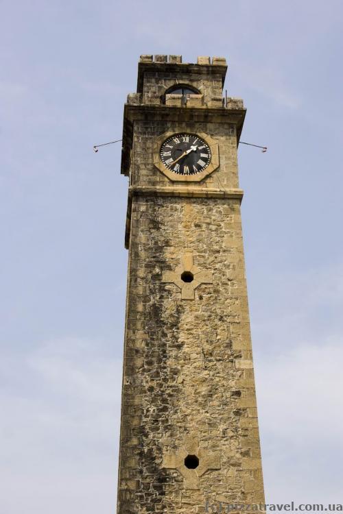 Башня с часами в форте Галле