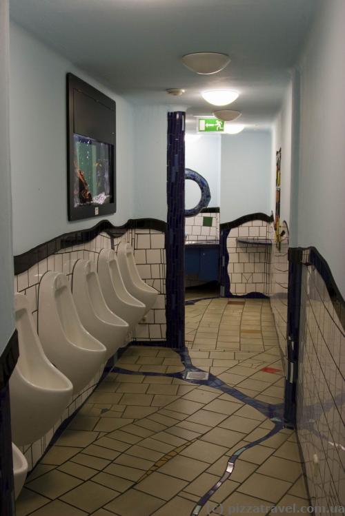 Туалет на первом этаже в Зеленой цитадели