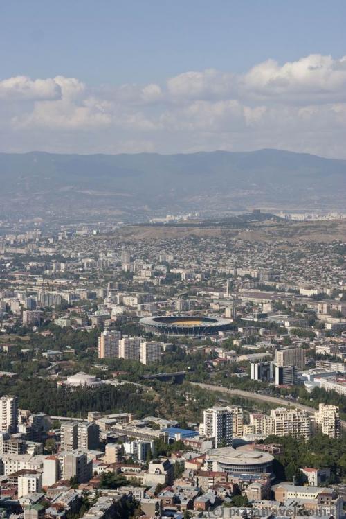 Вид на Тбилиси с колеса обозрения