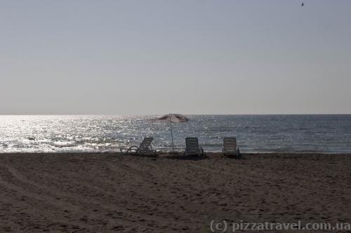 Пляж на базе отдыха возле Батуми