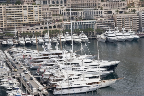 Вид на гавань в Монако