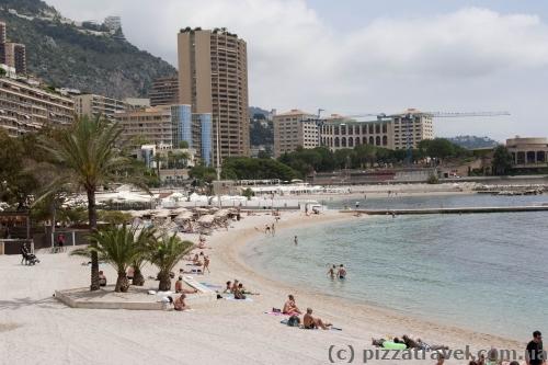 Городской пляж в Монако
