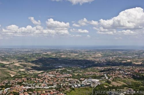 Панорама побережья из Сан-Марино