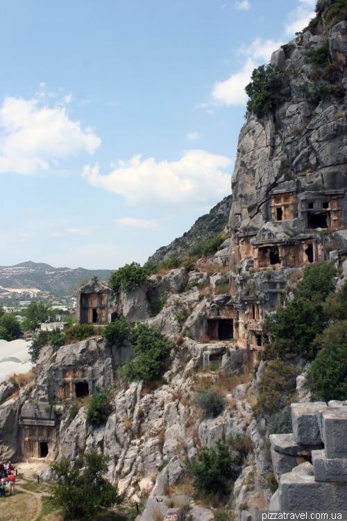 Гробницы античного города Мира
