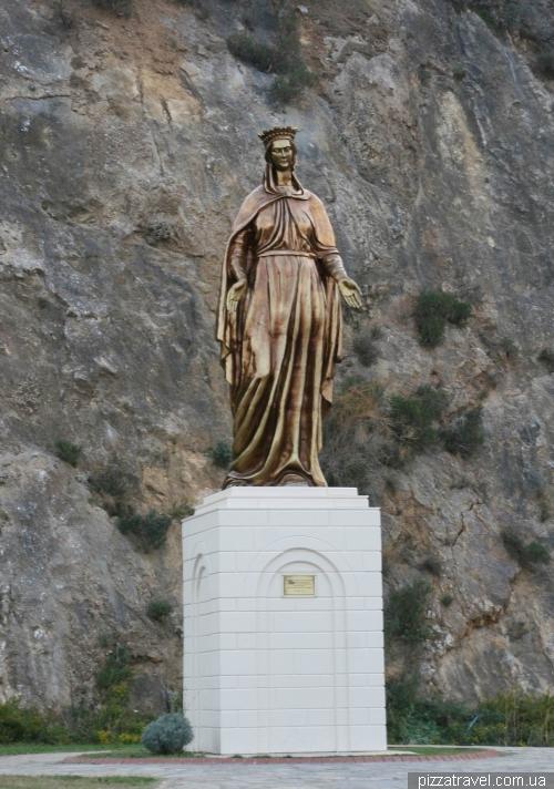 Памятник Богородице около Эфеса