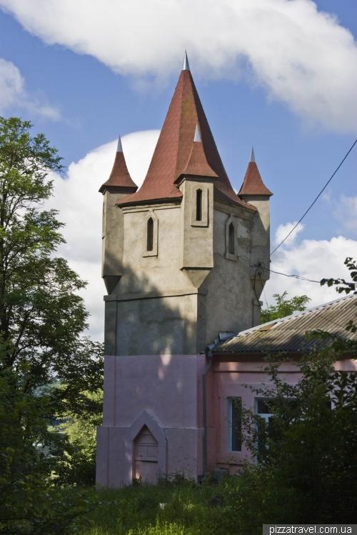 Остаток имения графа Гейдена в Сутисках