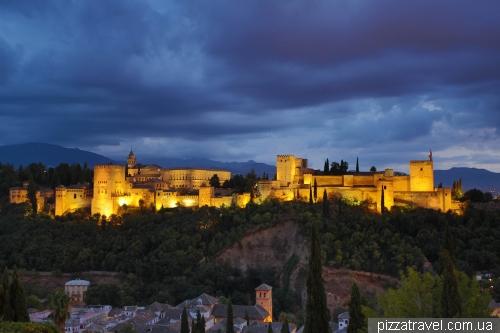 Вид на Альгамбру со смотровой площадки San Nikolas