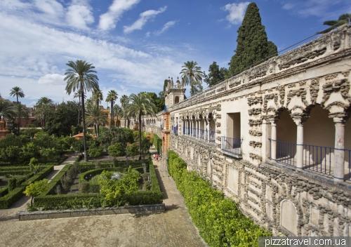 Сады в Севильском Алькасаре