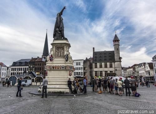 Vrijdagmarkt square (Friday Market)