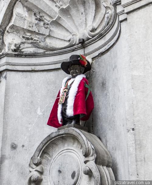 Писающий мальчик в Брюсселе