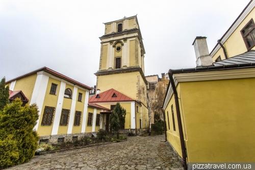 Кафедральний костел святих Апостолів Петра і Павла у Кам'янці-Подільському