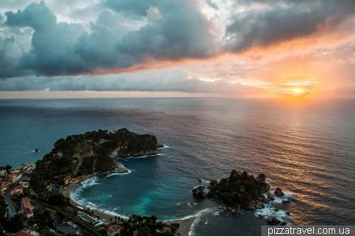 Восход солнца в Таормине