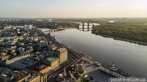 Poshtova square and Podilskyi Metro Bridge