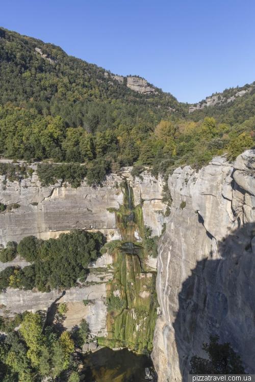 Городок Рупит и водопад Salt de Sallent