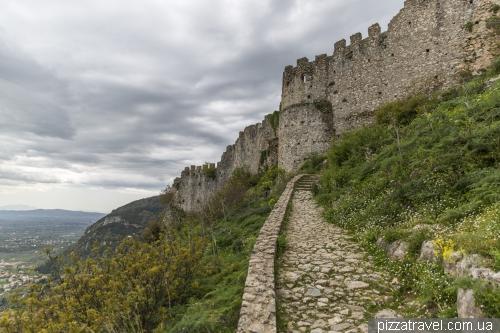 Заброшенный город и крепость Мистра