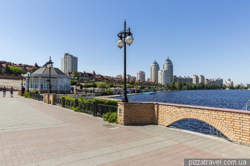 Оболонская набережная в Киеве