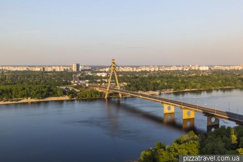 Вид на Северный мост в Киеве
