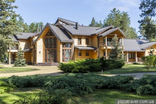 Охотничья резиденция Януковича Сухолучье