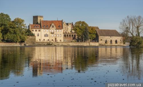 Замок Флехтинген (Wasserburg Flechtingen)