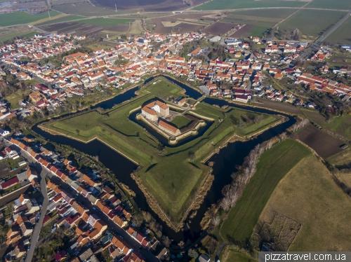 Замок Хельдрунген (Burg Heldrungen)