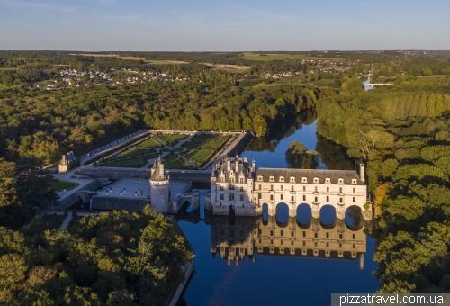 Замок Шенонсо (Chateau de Chenonceau)