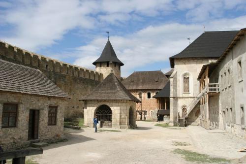 Усередині фортеці