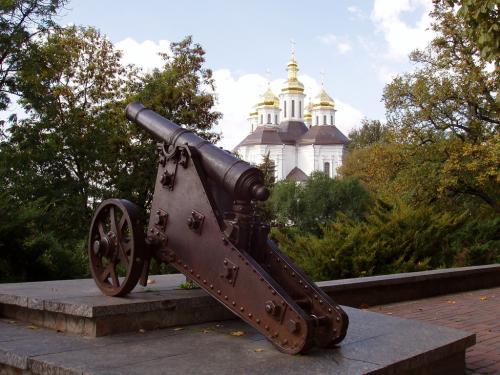 Екатерининский собор и пушка