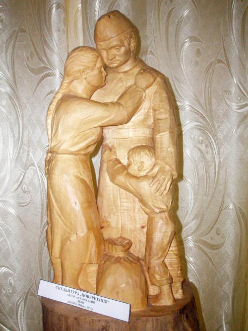 Деревянная скульптура в одном из музеев