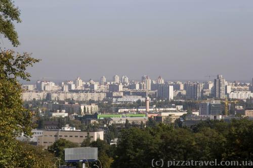Панорама Подола и Оболони с Подольского спуска