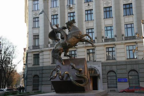 Святой Георгий. Памятник милиционерам, погибшим при исполнении служебного долга