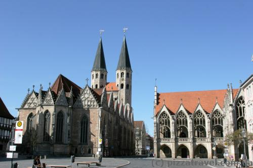 Церква Святого Мартіна і ратуша