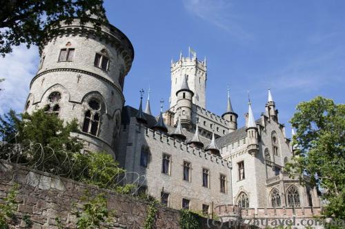 Замок Мариенбург со стороны реки