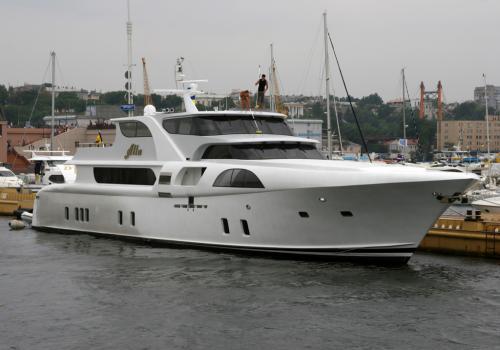 Яхта Алли Пугачової