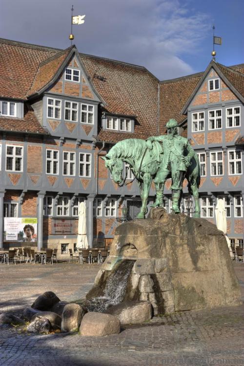 Конная статуя герцога Августа