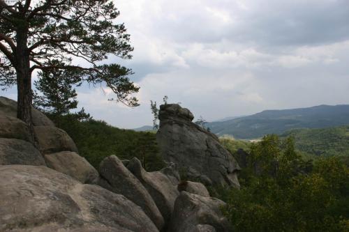 Скеля Відьма, вона ж Голова Довбуша
