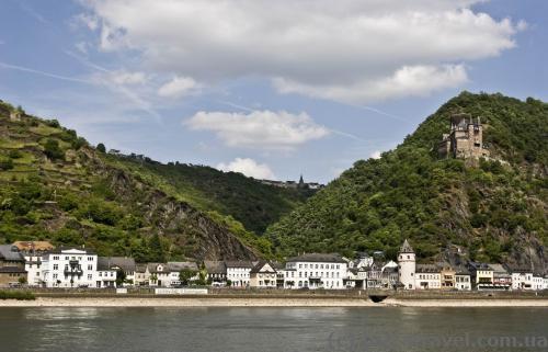 Городок Sankt Goarshausen и замок Катц