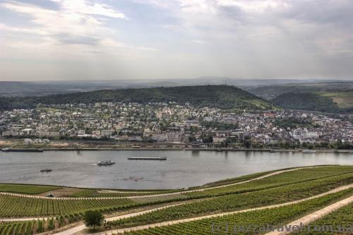 Вид на Рейн от статуи