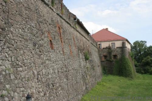 Стены Ужгородского замка