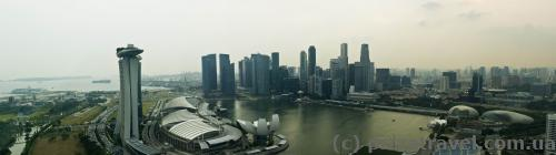 Вид на Marina Bay Sands с верхней точки колеса обозрения
