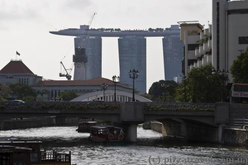 Отель Marina Bay Sands виден отовсюду