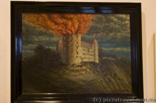 Северная башня сгорела в 1815 году из-за удара молнии.