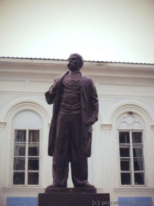 Тарас Шевченко с телом Ленина